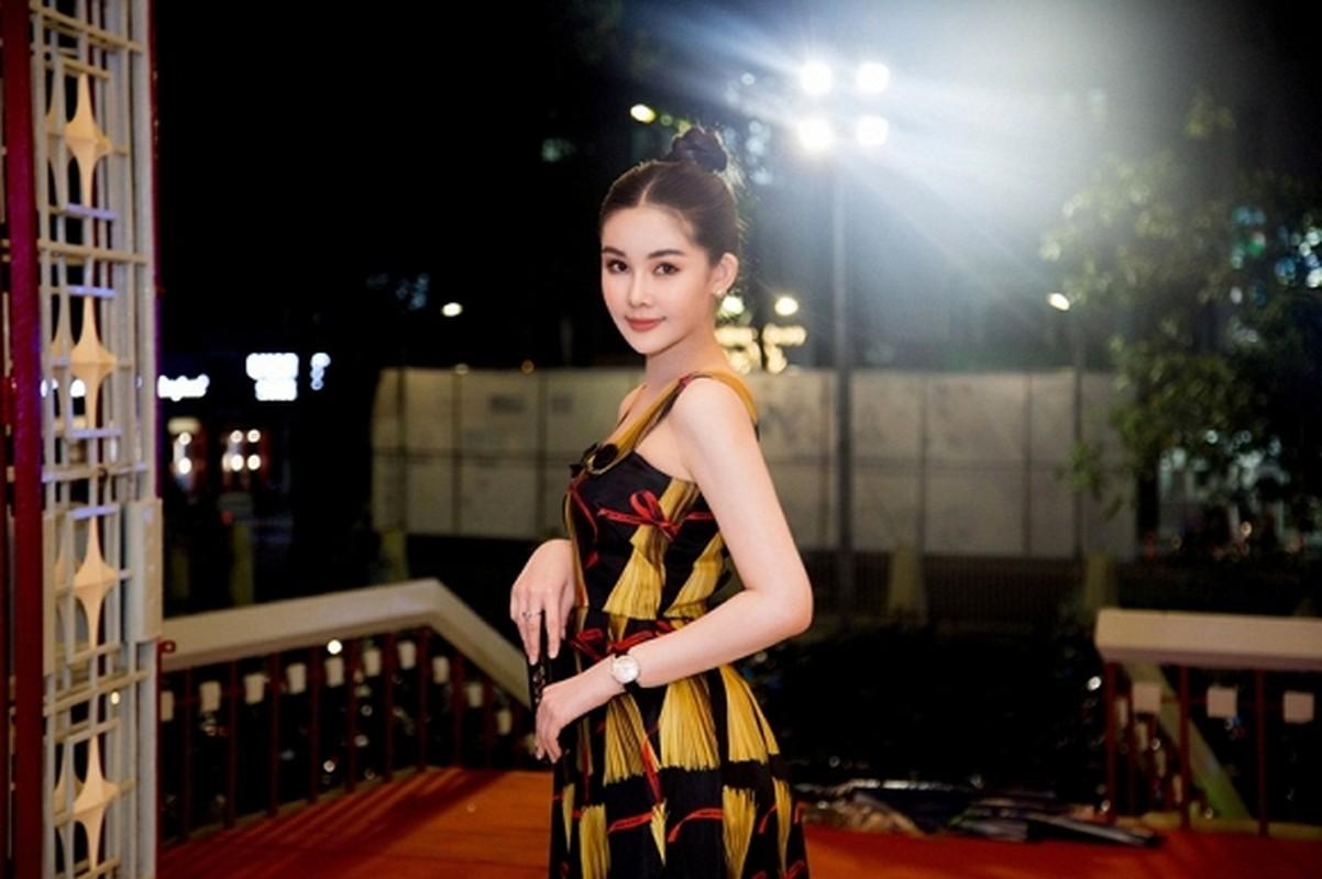Le Au Ngan Anh sang chanh voi set do hon nua ty gay soc-Hinh-7
