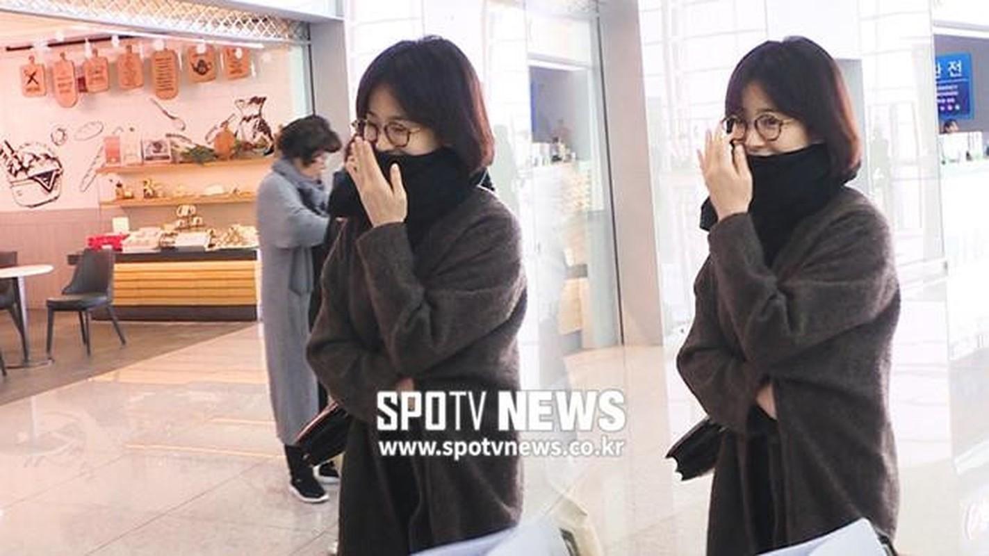 Song Hye Kyo che kin mat di du lich mot minh truoc ngay ly hon-Hinh-4