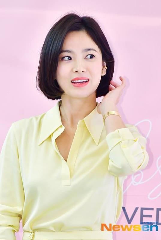 Song Hye Kyo che kin mat di du lich mot minh truoc ngay ly hon-Hinh-8