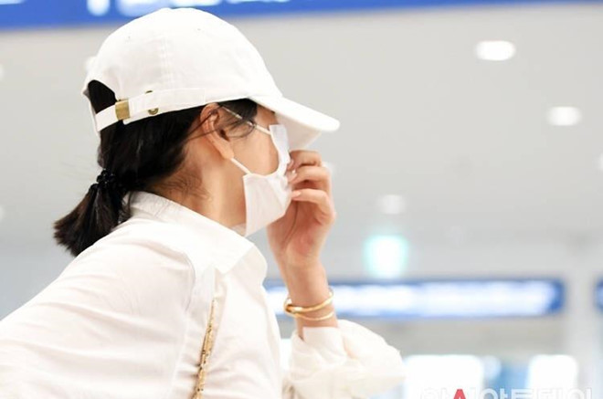 Song Hye Kyo che kin mat di du lich mot minh truoc ngay ly hon