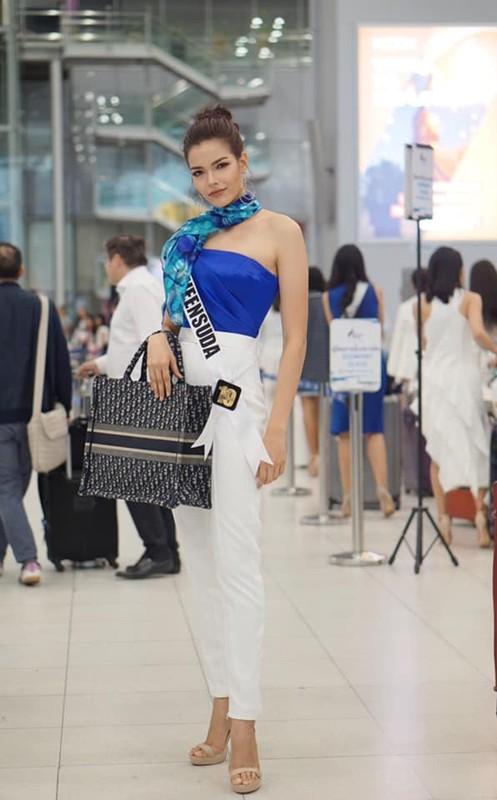 Soi tai, sac doi thu dang gom cua Hoang Thuy tai Miss Universe 2019-Hinh-6