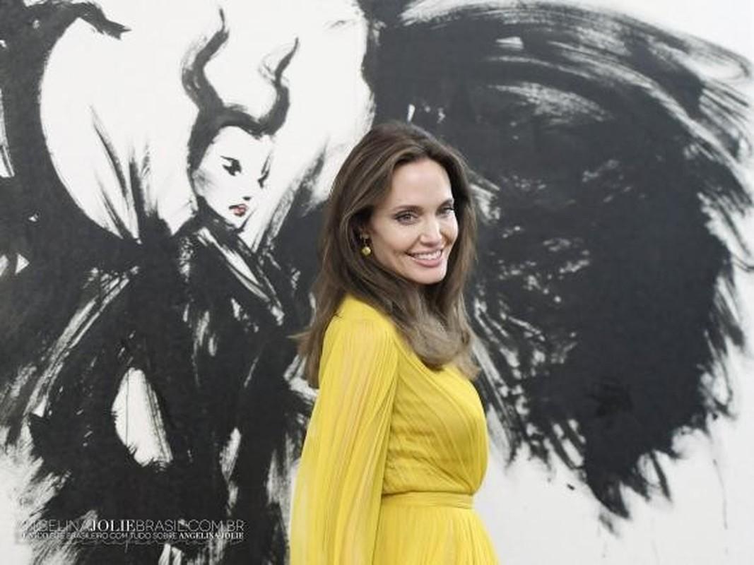 Angelina Jolie than thai ngut ngan khi xuat hien, dep nao long-Hinh-2