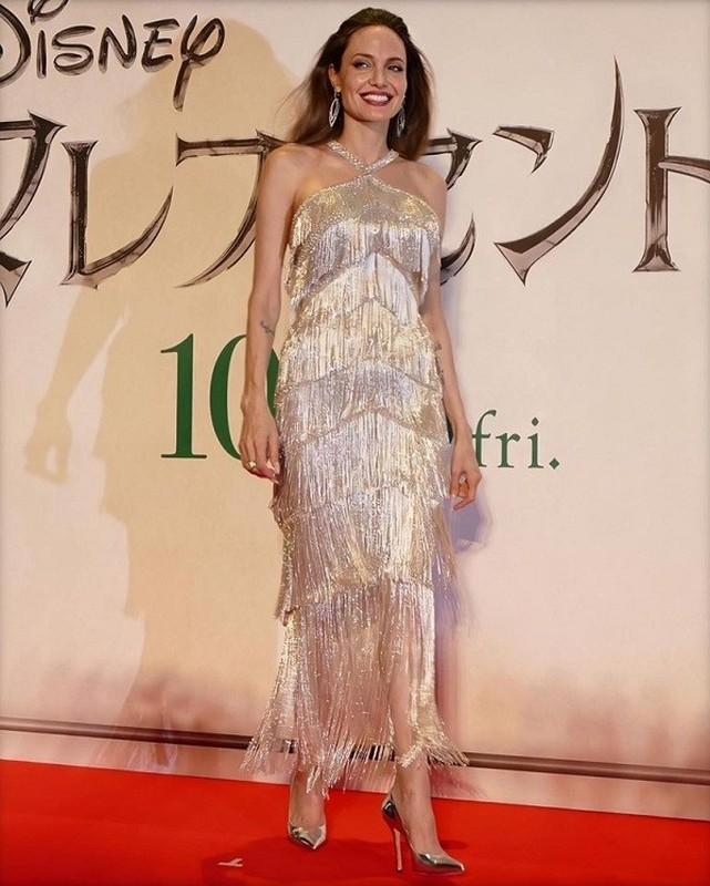 Angelina Jolie than thai ngut ngan khi xuat hien, dep nao long-Hinh-6