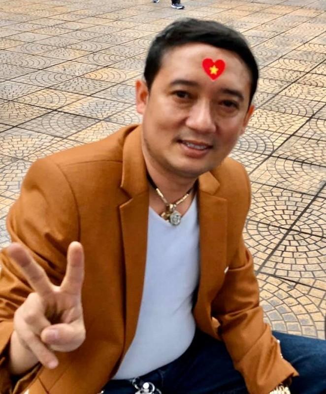 Phuong Thanh, Ly Hung mac ao co do sao vang sang Philippines ung ho U22 Viet Nam-Hinh-10