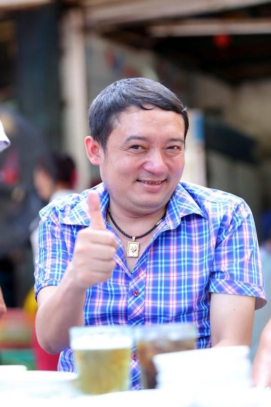 Phuong Thanh, Ly Hung mac ao co do sao vang sang Philippines ung ho U22 Viet Nam-Hinh-11