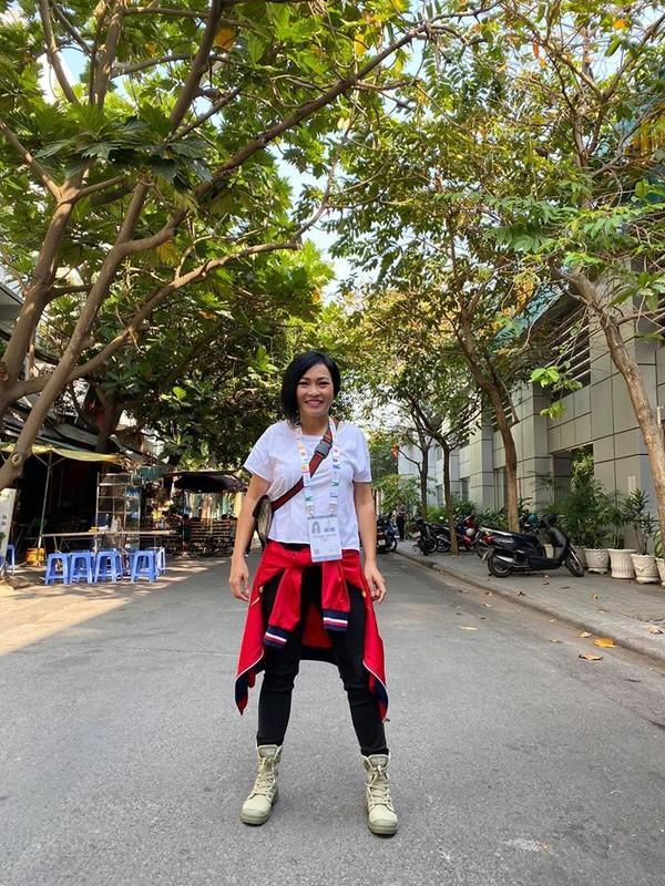 Phuong Thanh, Ly Hung mac ao co do sao vang sang Philippines ung ho U22 Viet Nam-Hinh-4
