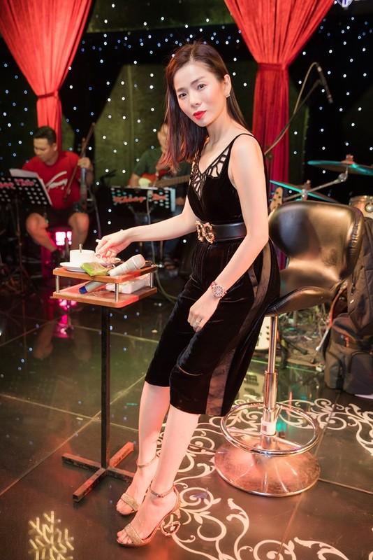 Le Quyen an uong dam bac bat ngo truoc liveshow 30 ty-Hinh-2