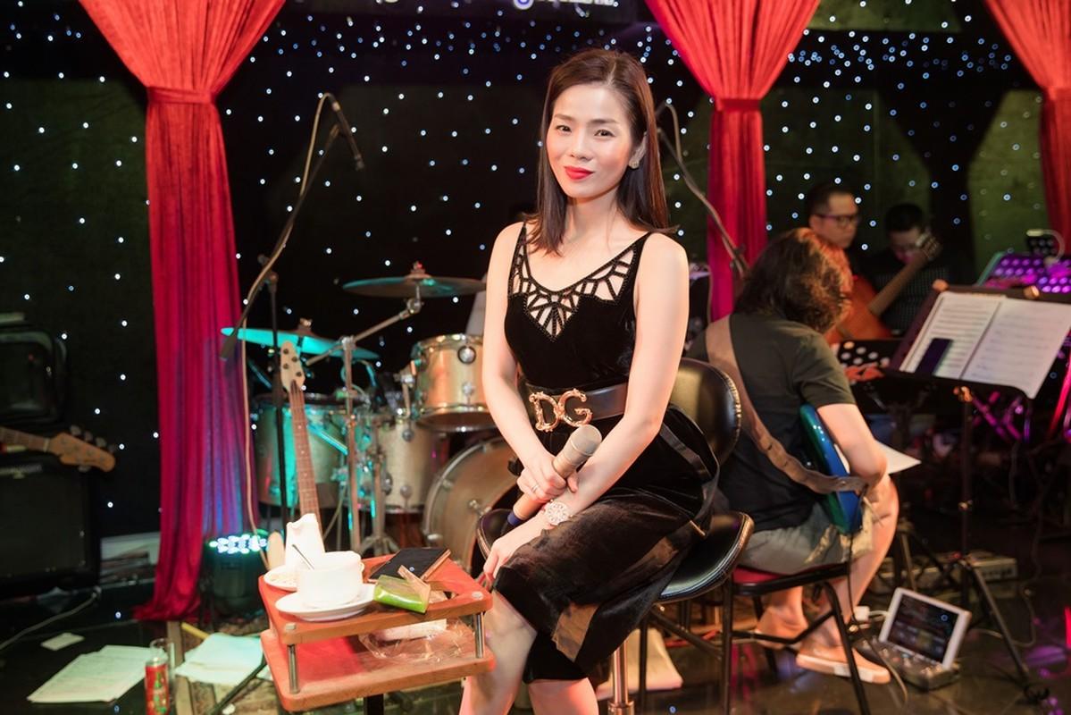 Le Quyen an uong dam bac bat ngo truoc liveshow 30 ty-Hinh-3