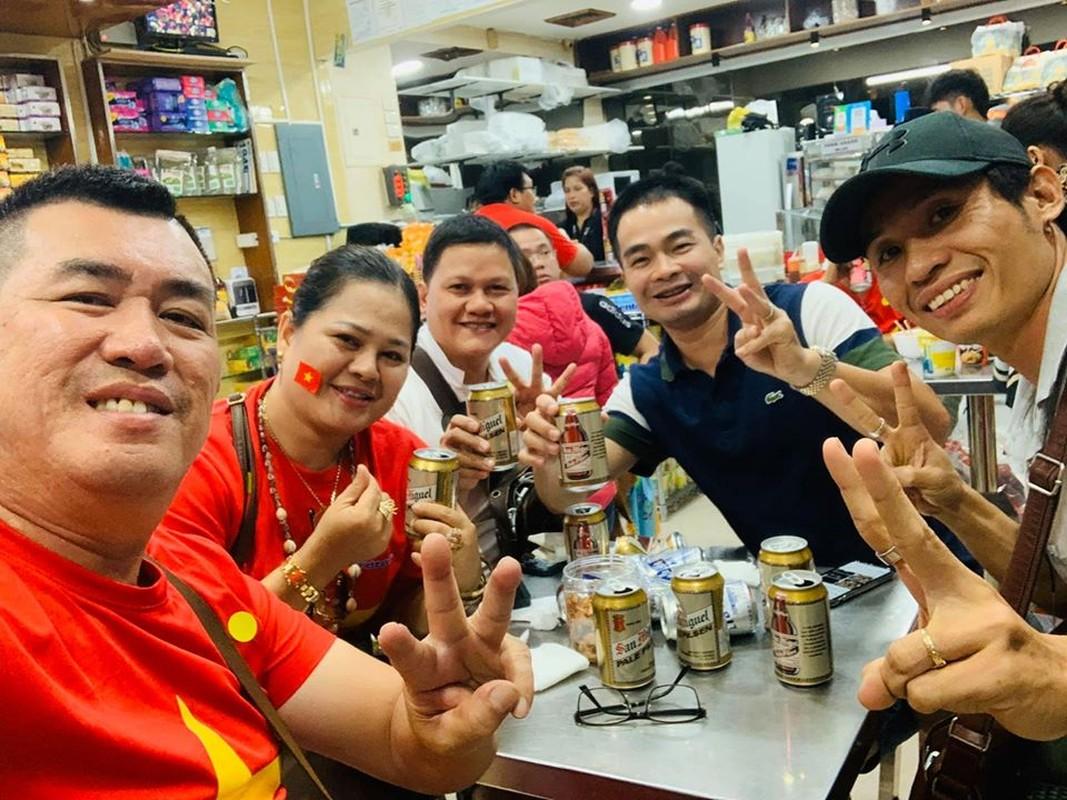 Phuong Thanh va vat o san bay Philippines van phan khich vi Viet Nam chien thang-Hinh-10