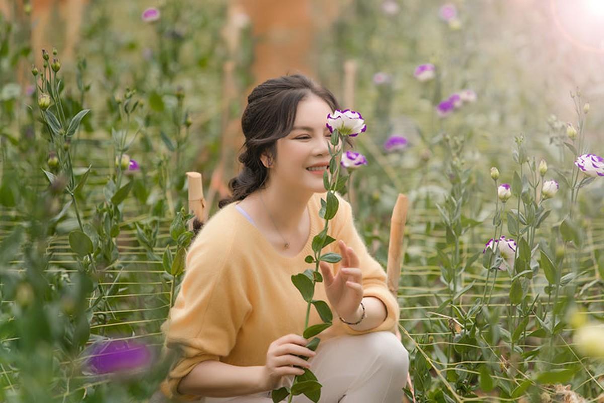 Ly Nha Ky dep nao long khi khoe anh hai hoa o Da Lat-Hinh-12