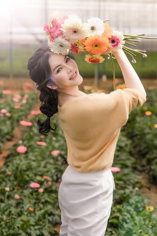 Ly Nha Ky dep nao long khi khoe anh hai hoa o Da Lat-Hinh-3