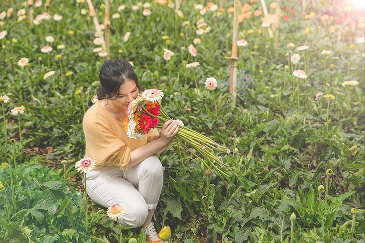 Ly Nha Ky dep nao long khi khoe anh hai hoa o Da Lat-Hinh-6