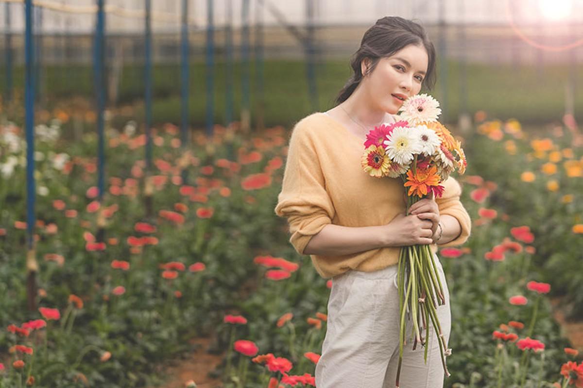 Ly Nha Ky dep nao long khi khoe anh hai hoa o Da Lat-Hinh-9