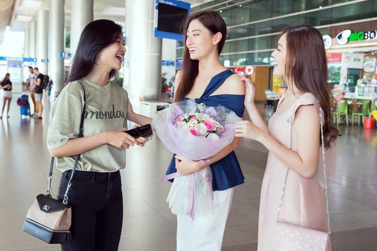 Luong Thuy Linh xinh boi phan ngay tro ve tu Miss World-Hinh-3
