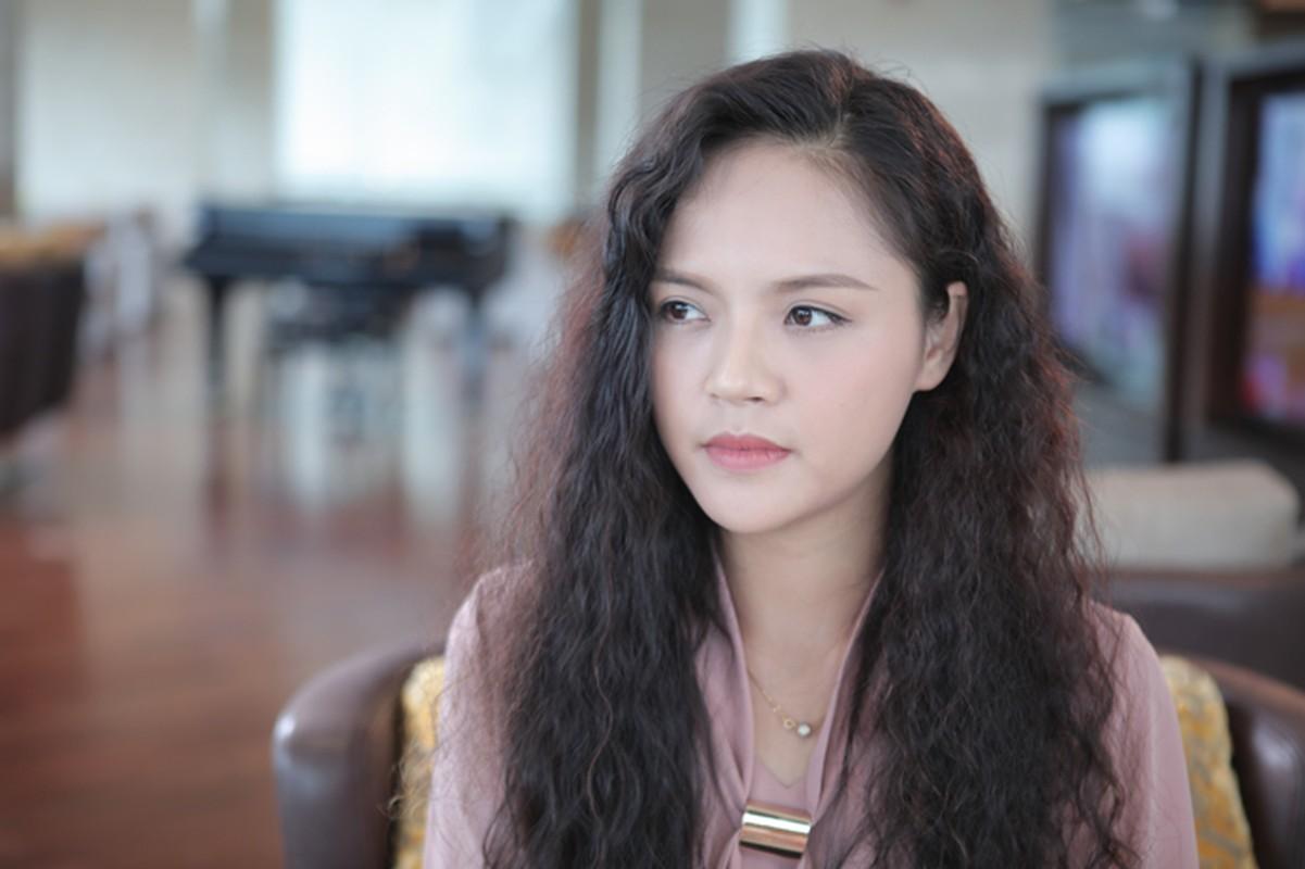 Loat vai dien an tuong cua Thu Quynh: Vo dam co hon