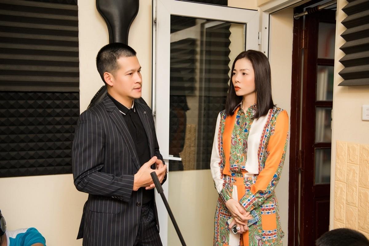 Le Quyen choi lon dat vang dao cu san khau cho Q show tien ty-Hinh-14