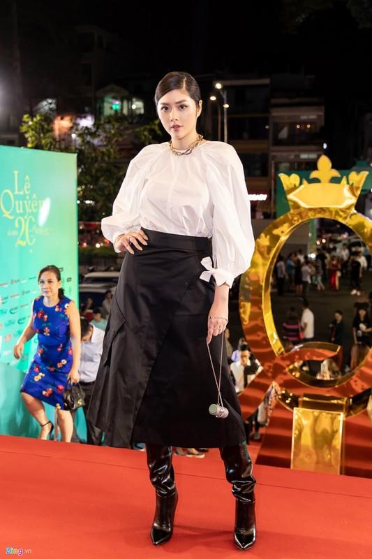 Hoai Linh mac ao ba ba, di dep le cung dan sao du live show Le Quyen-Hinh-8