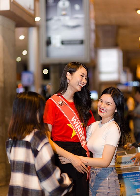 Thanh Khoa gian di ve nuoc sau dang quang Hoa hau Sinh vien The gioi 2019-Hinh-10