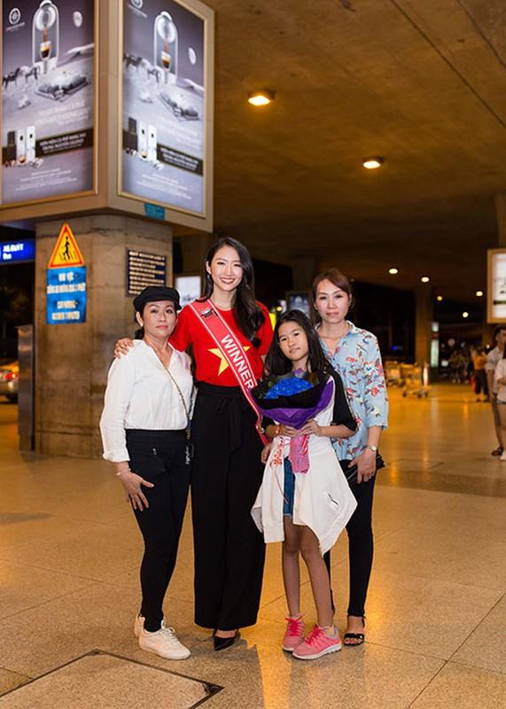 Thanh Khoa gian di ve nuoc sau dang quang Hoa hau Sinh vien The gioi 2019-Hinh-8