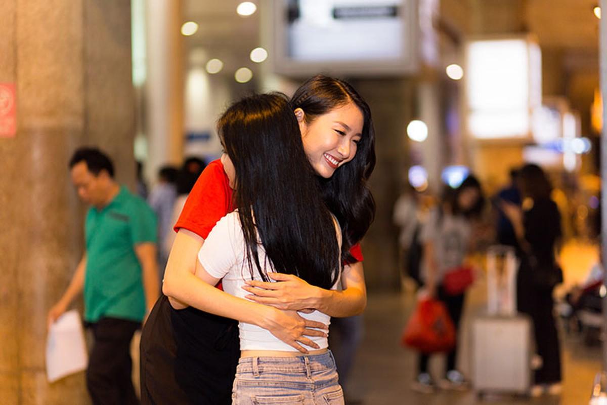 Thanh Khoa gian di ve nuoc sau dang quang Hoa hau Sinh vien The gioi 2019-Hinh-9