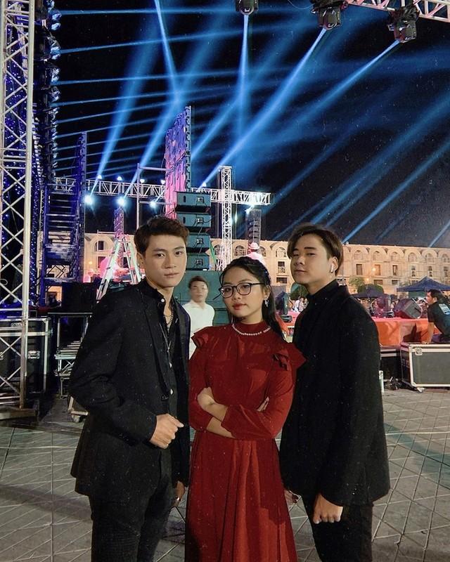 Cuong Do La khoe don Giang sinh am ap ben Dam Thu Trang-Hinh-17