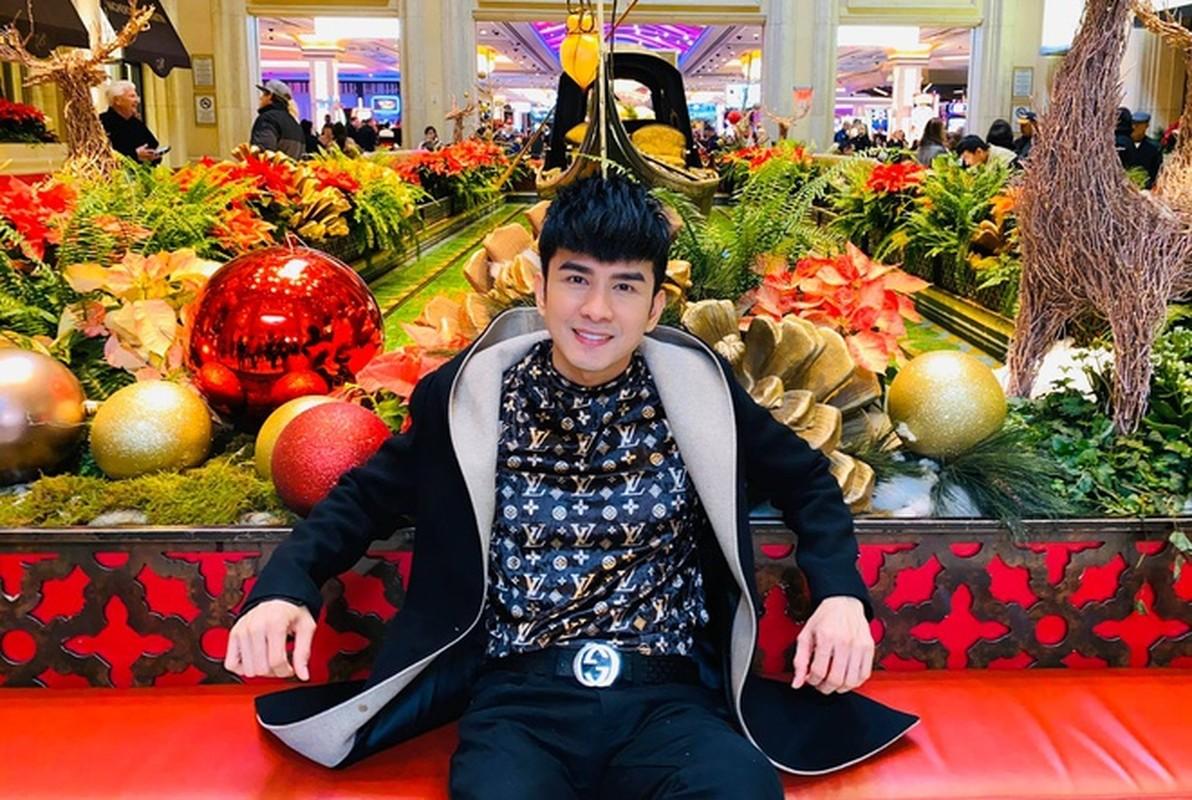 Cuong Do La khoe don Giang sinh am ap ben Dam Thu Trang-Hinh-18