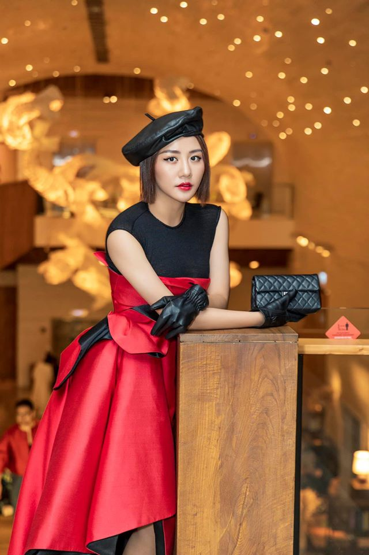 Ve goi cam cua Van Mai Huong dang duoc ca showbiz bao ve vu lo clip nong-Hinh-10