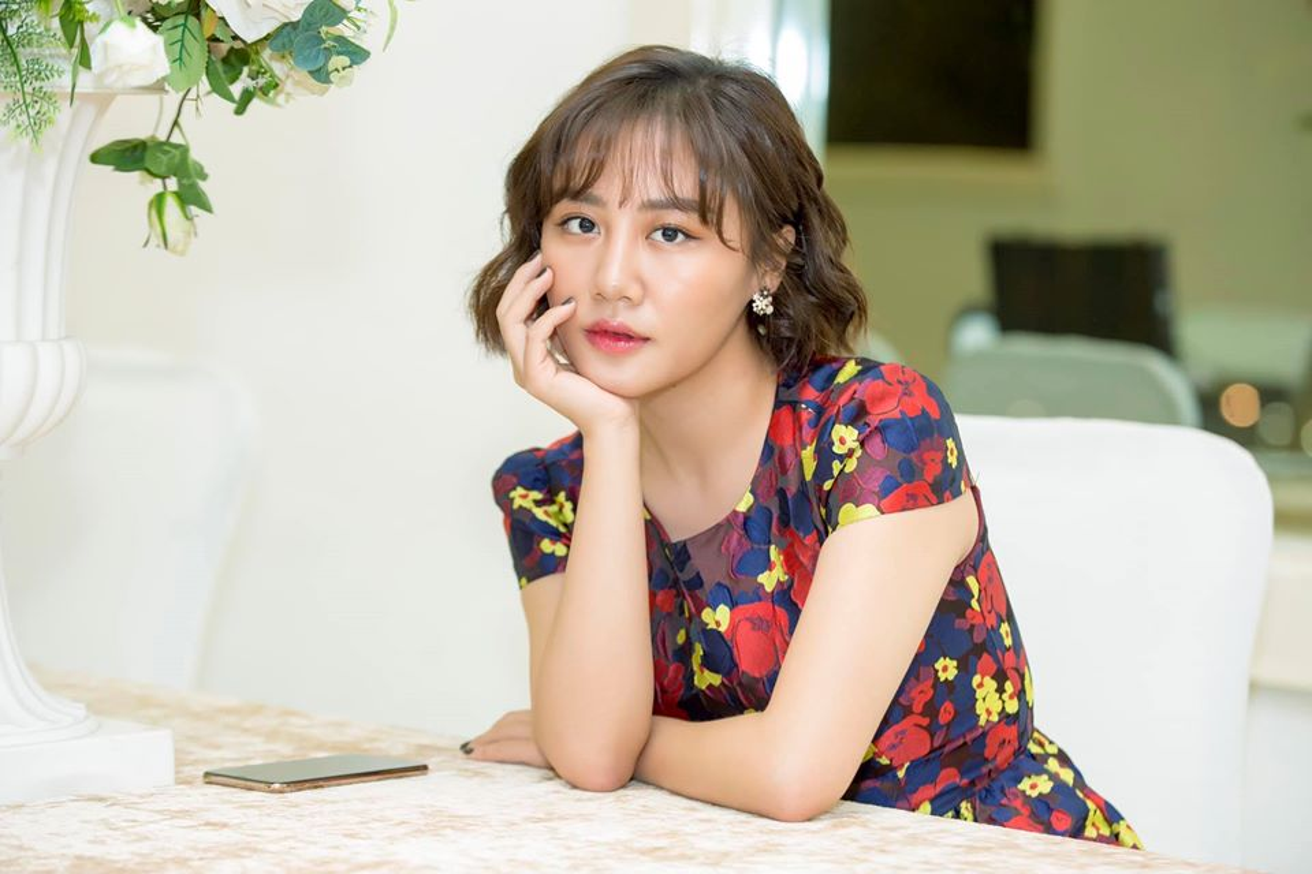 Ve goi cam cua Van Mai Huong dang duoc ca showbiz bao ve vu lo clip nong-Hinh-12