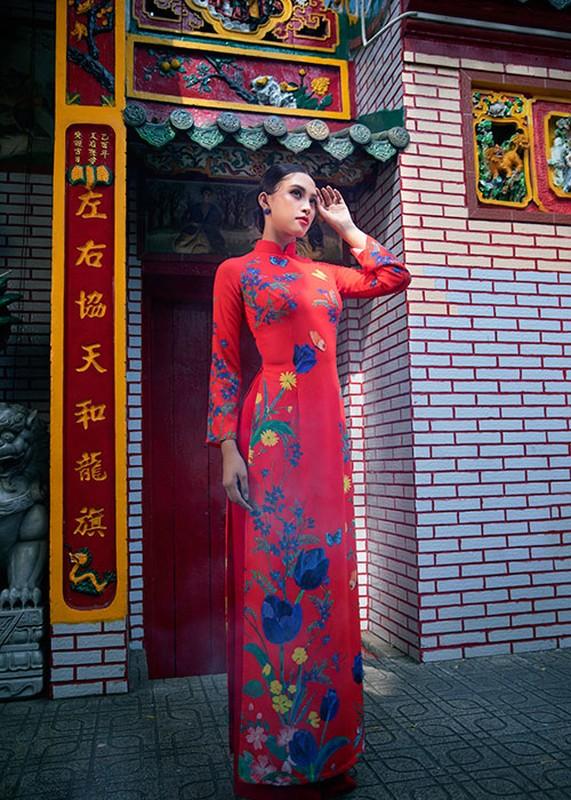 Hoa hau Tieu Vy dien ao dai don Tet dep me dam-Hinh-6