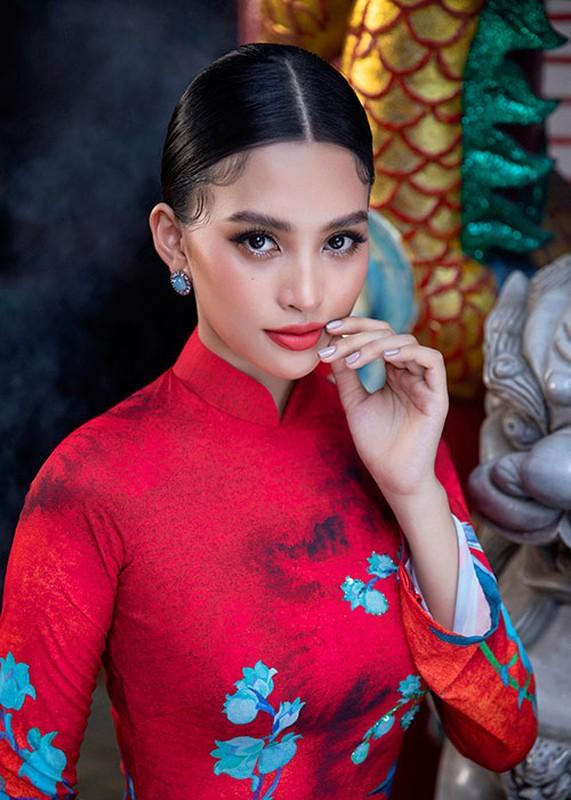 Hoa hau Tieu Vy dien ao dai don Tet dep me dam-Hinh-8