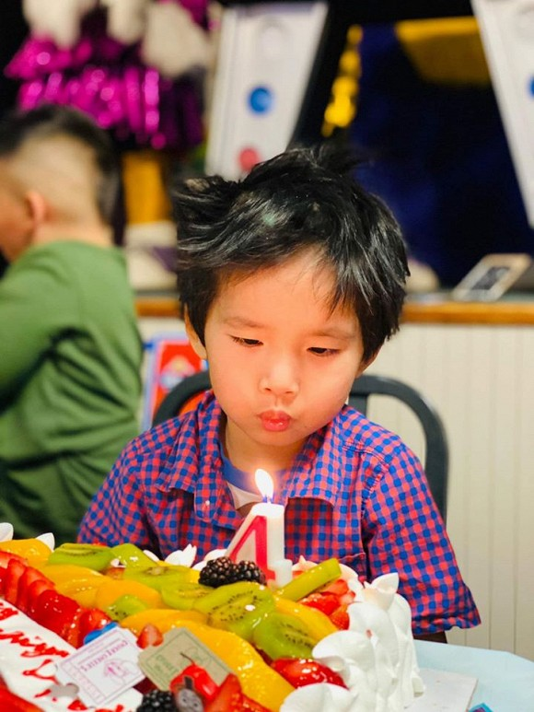 Ngoc Quyen khoe anh sinh nhat con trai 4 tuoi, chong cu vang mat-Hinh-3