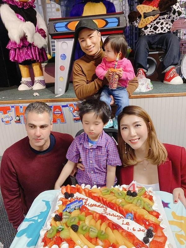 Ngoc Quyen khoe anh sinh nhat con trai 4 tuoi, chong cu vang mat-Hinh-8