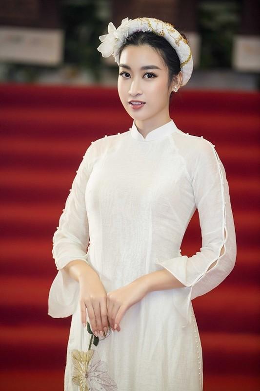 Hoa hau Do My Linh gap su co trang phuc duoc Ngoc Han cuu nguy-Hinh-6