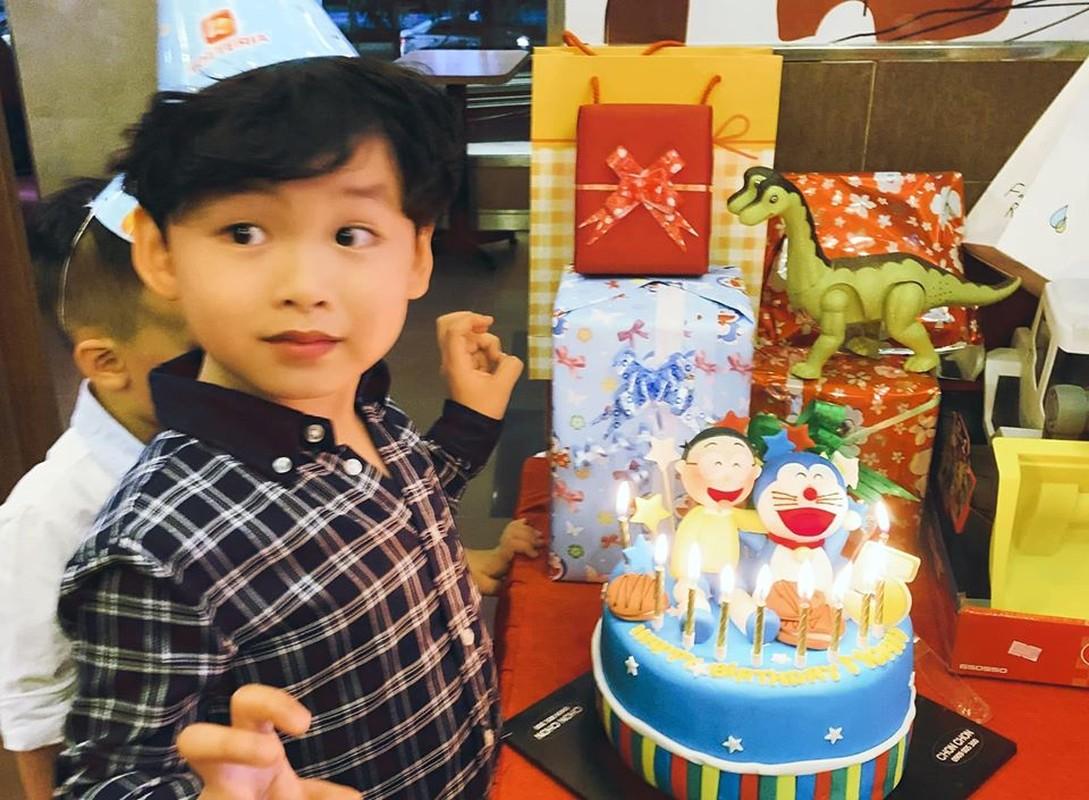 Diem Huong to chuc sinh nhat cho con trai, vang mat chong giua nghi van ly hon-Hinh-11