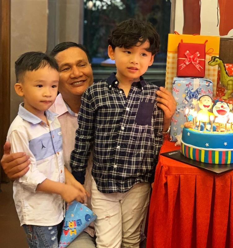 Diem Huong to chuc sinh nhat cho con trai, vang mat chong giua nghi van ly hon-Hinh-3