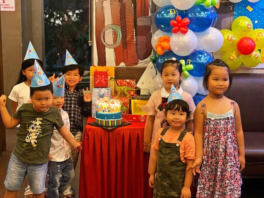 Diem Huong to chuc sinh nhat cho con trai, vang mat chong giua nghi van ly hon-Hinh-5