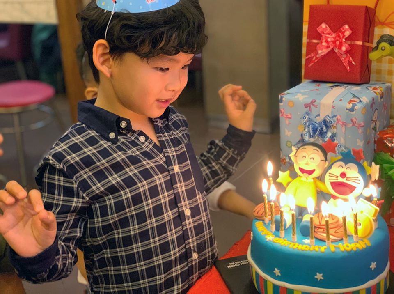 Diem Huong to chuc sinh nhat cho con trai, vang mat chong giua nghi van ly hon-Hinh-7