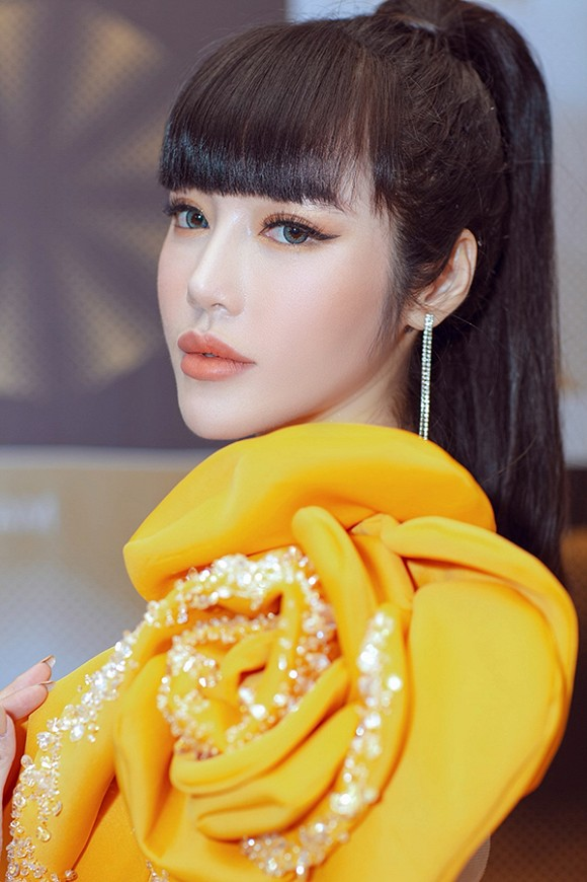 Elly Tran lan dau trai long giua nghi van chong Tay ngoai tinh
