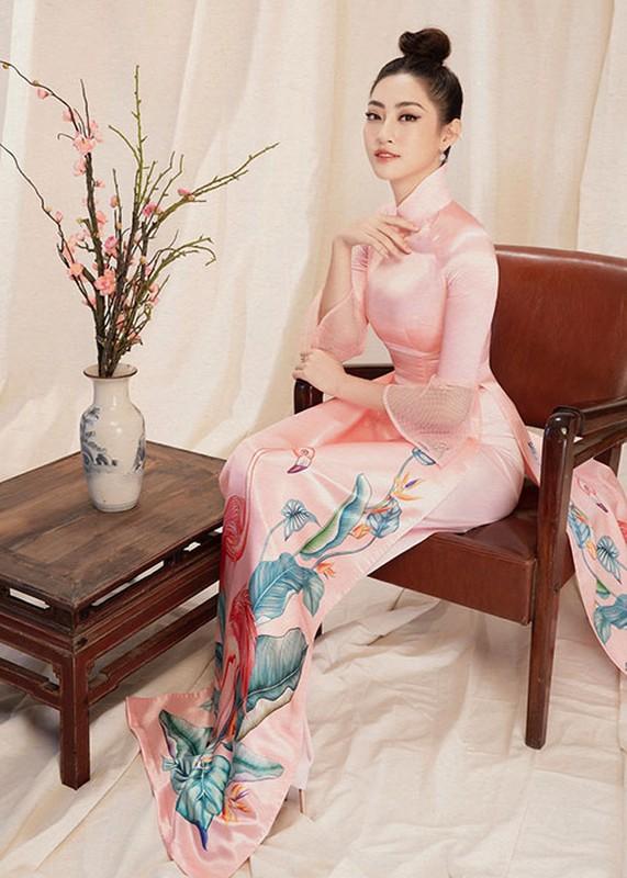 "Hoa hau Luong Thuy Linh dien ao dai ""ninh dang"", xuan sac rang ngoi-Hinh-6"