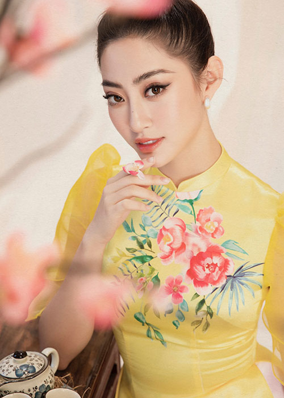 "Hoa hau Luong Thuy Linh dien ao dai ""ninh dang"", xuan sac rang ngoi-Hinh-9"