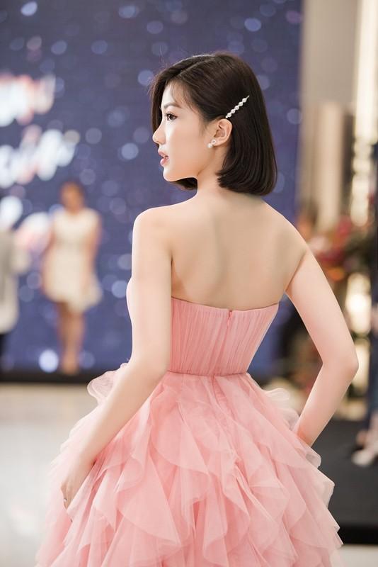 """Tra tieu tam"" Luong Thanh khoe vai tran goi cam o su kien-Hinh-6"