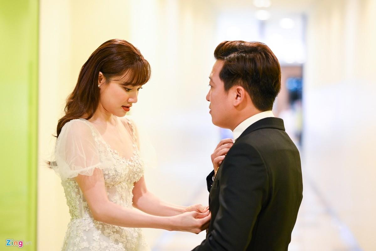 Truong Giang - Nha Phuong tay trong tay, cham soc nhau o su kien-Hinh-4