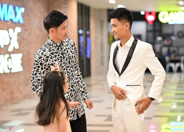 Truong Giang - Nha Phuong tay trong tay, cham soc nhau o su kien-Hinh-5