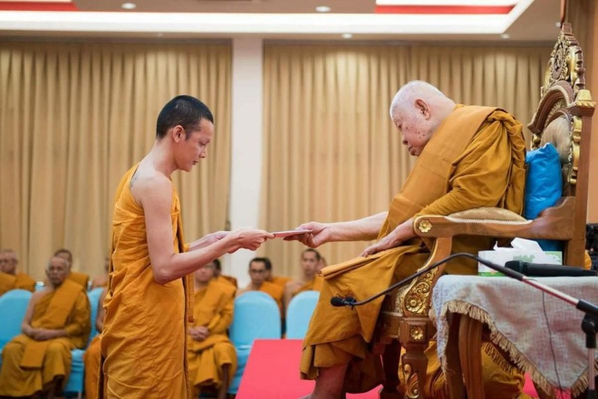 Dien mao moi cua Hoa hau chuyen gioi Thai Lan phau thuat tro lai lam dan ong-Hinh-8