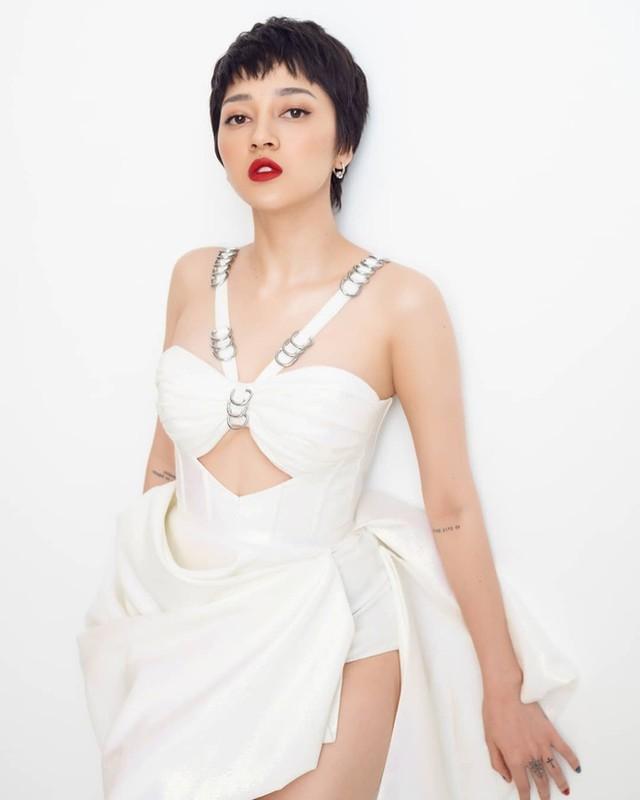 Bao Anh mac goi cam, nghien khoe eo thon dang nuot-Hinh-4