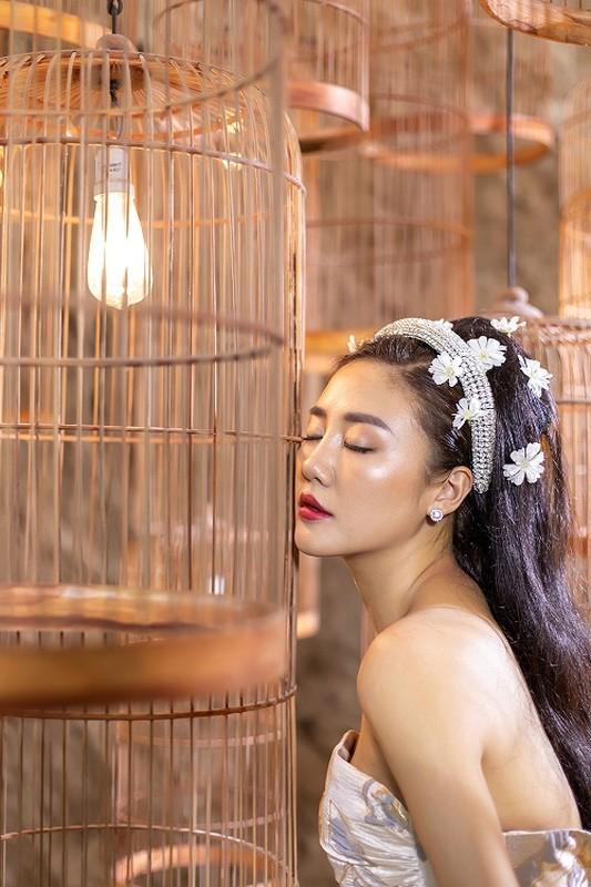Van Mai Huong mac goi cam, trai long voi cuoc tinh buon ngay Valentine-Hinh-3