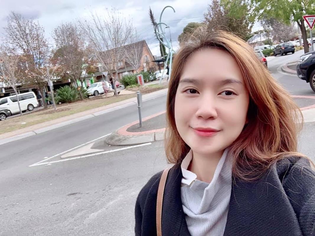 Vo tre dep cua dao dien Ly Hai, sinh 4 con van nhu gai con son-Hinh-5