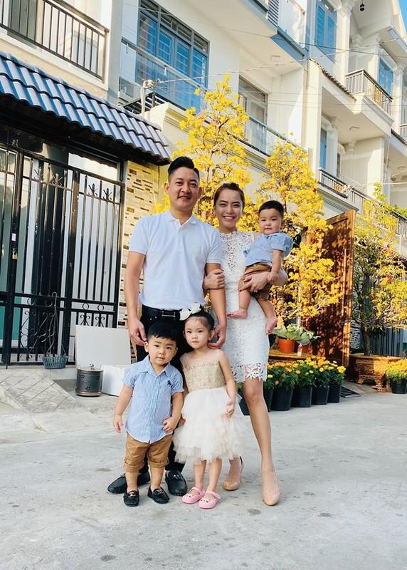 Co 4 con, vo tung gap nguy khi mang bau, Thanh Dat nen hoc Hoang Bach triet san?-Hinh-4
