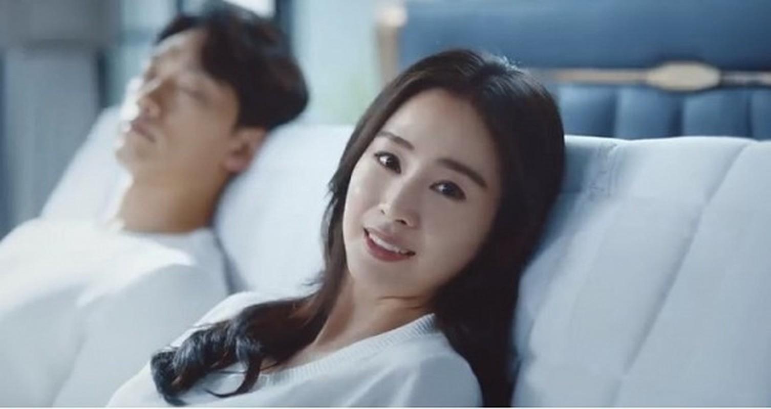 Kim Tae Hee va Bi Rain lo canh