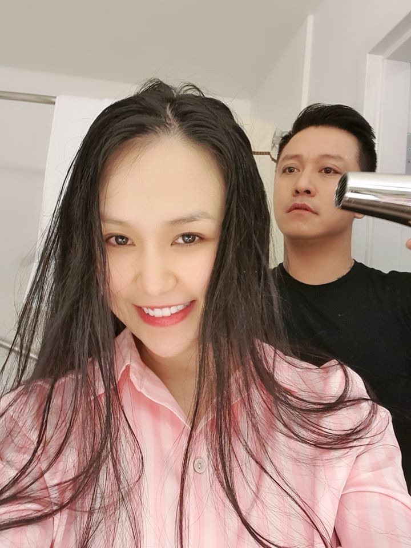 "Khoanh khac hanh phuc cua ""ong chong quoc dan"" Tuan Hung ben vo con-Hinh-6"